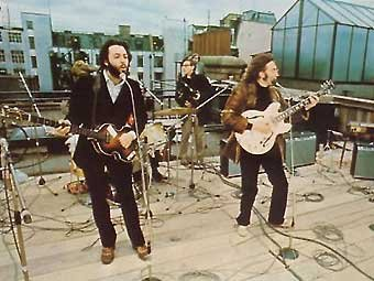 Концерт The Beatles 30 января 1969 года. Фото с сайта beatles.ru