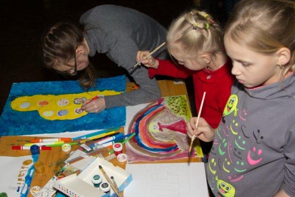В Челябинске открылась выставка 'Мир The Beatles глазами детей'
