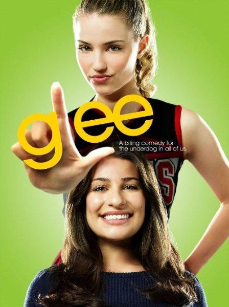 Американский музыкальный сериал Glee озвучил два эпизода песнями The Beatles