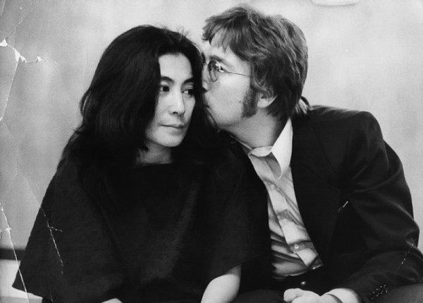 Йоко Оно отмечает 81-й день рождения
