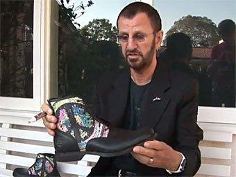 Ринго Старр и ботинок Timberland. Скриншот с сайта YouTube