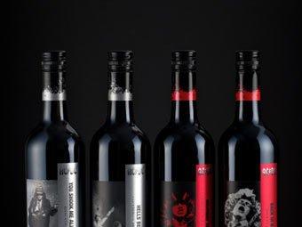 Вино AC/DC. Фото с сайта decanter.com