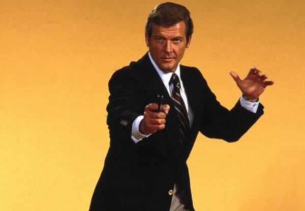 Роджер Мур в роли агента 007