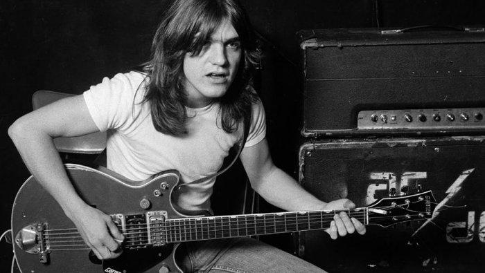 Умер ритм-гитарист и основатель AC/DC Малькольм Янг