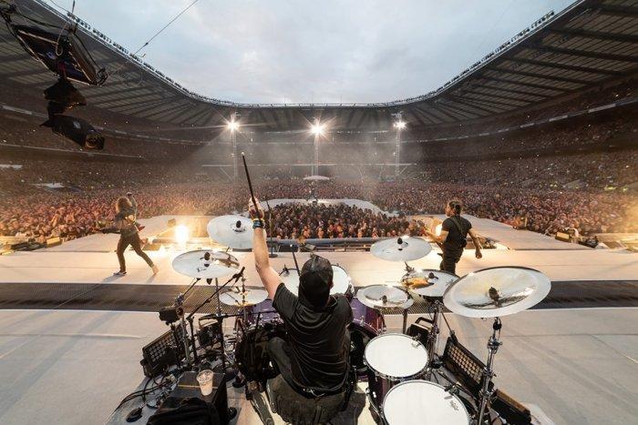 Metallica исполнила 'Группу крови' Цоя на концерте в Лужниках