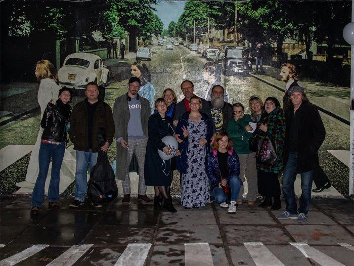 Художники Арт центра 'Пушкинская, 10' в Санкт Петербурге нарисовали Битлз